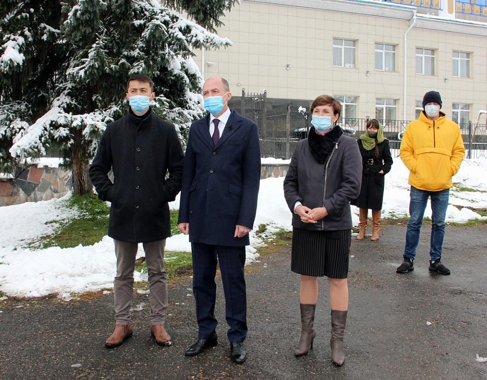 Мэр глава горадминистрации Горно-Алтайска заразились коронавирусом