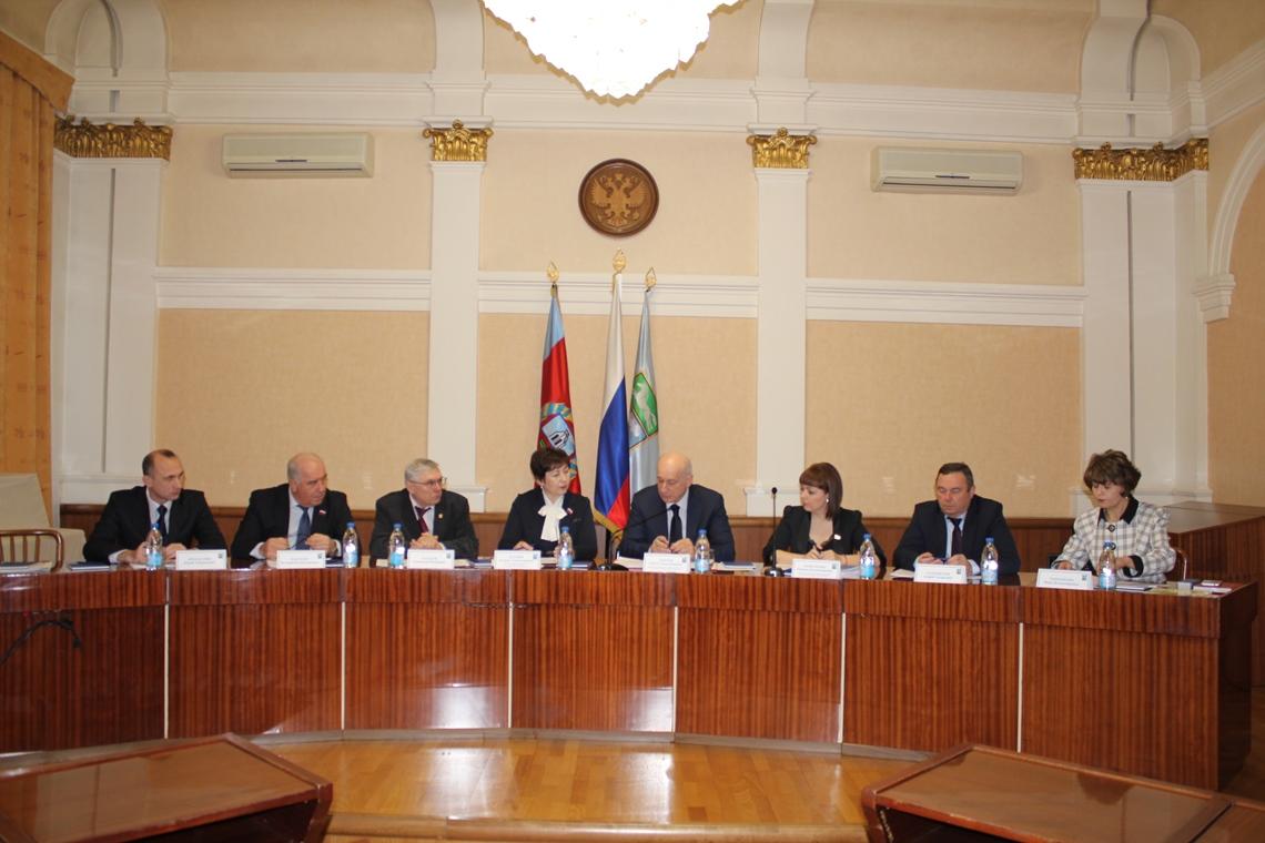 Пасьянс «Барнаульский»: 4 кандидата допущены доконкурса напост руководителя краевого центра