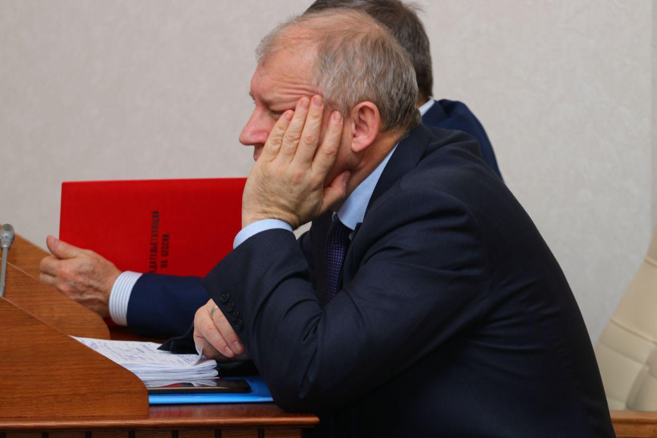 Прошел гладко предновогодней сессии депутаты Алтайского Заксобрания подвели итоги проблемного года