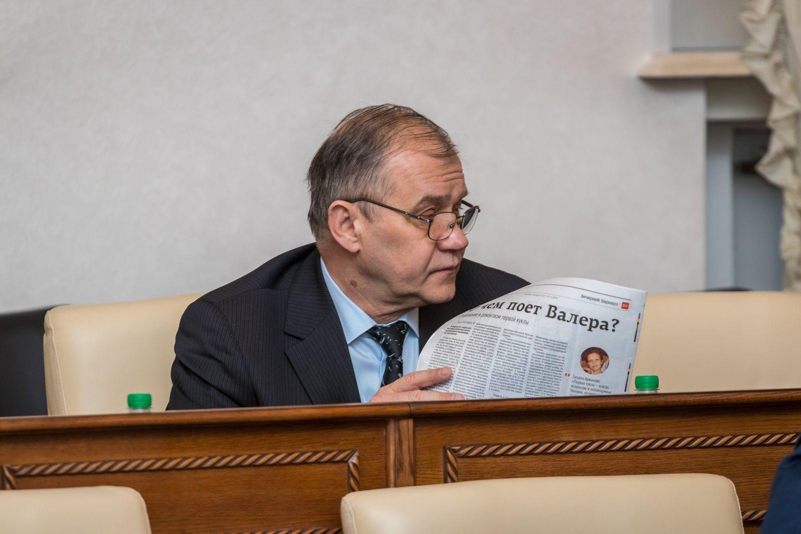 Декоративная власть депутаты Алтайского Заксобрания сессии отстояли свои права отступились пивбаров