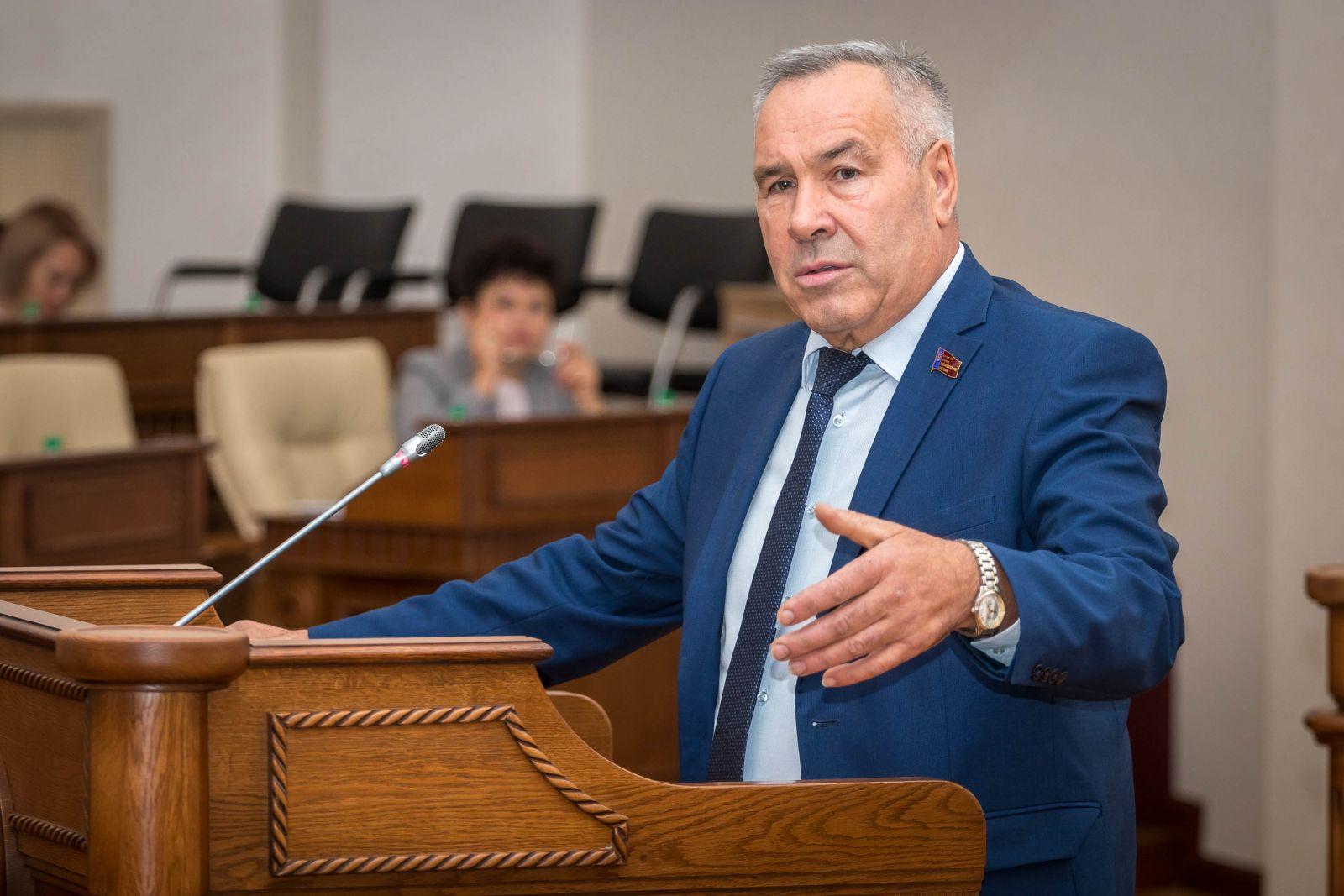 Депутаты Алтайского Заксобрания единогласно выступили наращивание дефицита краевого бюджета