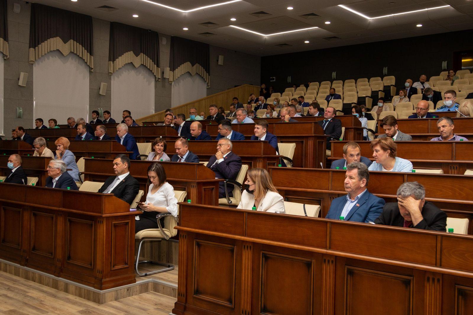 Работайте лучше депутаты Алтайского Заксобрания заключительной сессии созыва дали наказ будущему парламенту