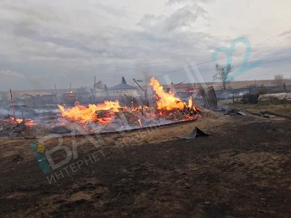 Горячие выходные шторм Алтае спровоцировал десятки пожаров