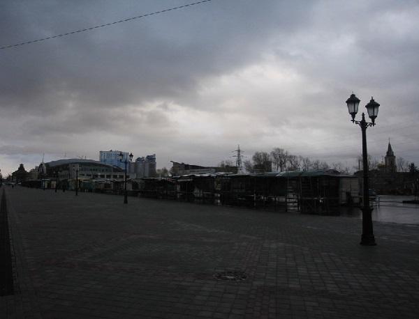 Владельцы Старого базара временно вернулись стихийной торговле барнаульском Арбате