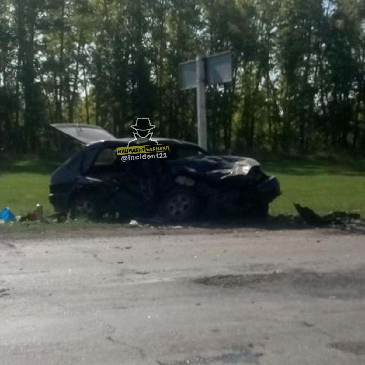 В Мамонтовском районе пьяный водитель ВАЗа устроил смертельное в попытке сбежать полицейских