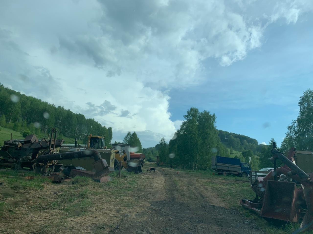 Скандальные золотодобытчики вновь пытаются углубиться чистый уголок Солонешенского района