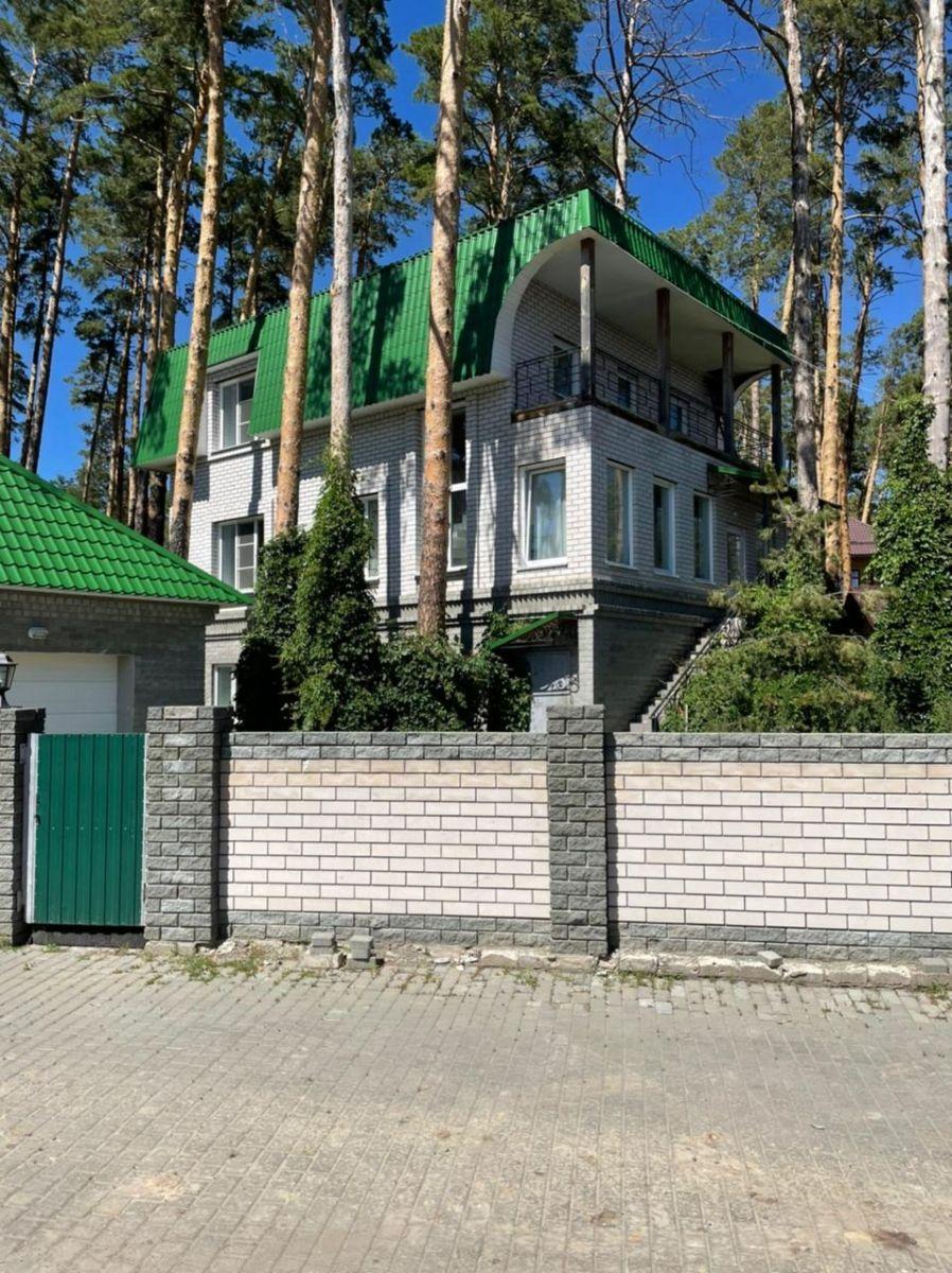 В Барнауле продают коттедж обанкротившейся хозяйки Изумрудной страны Ольги Антипиной