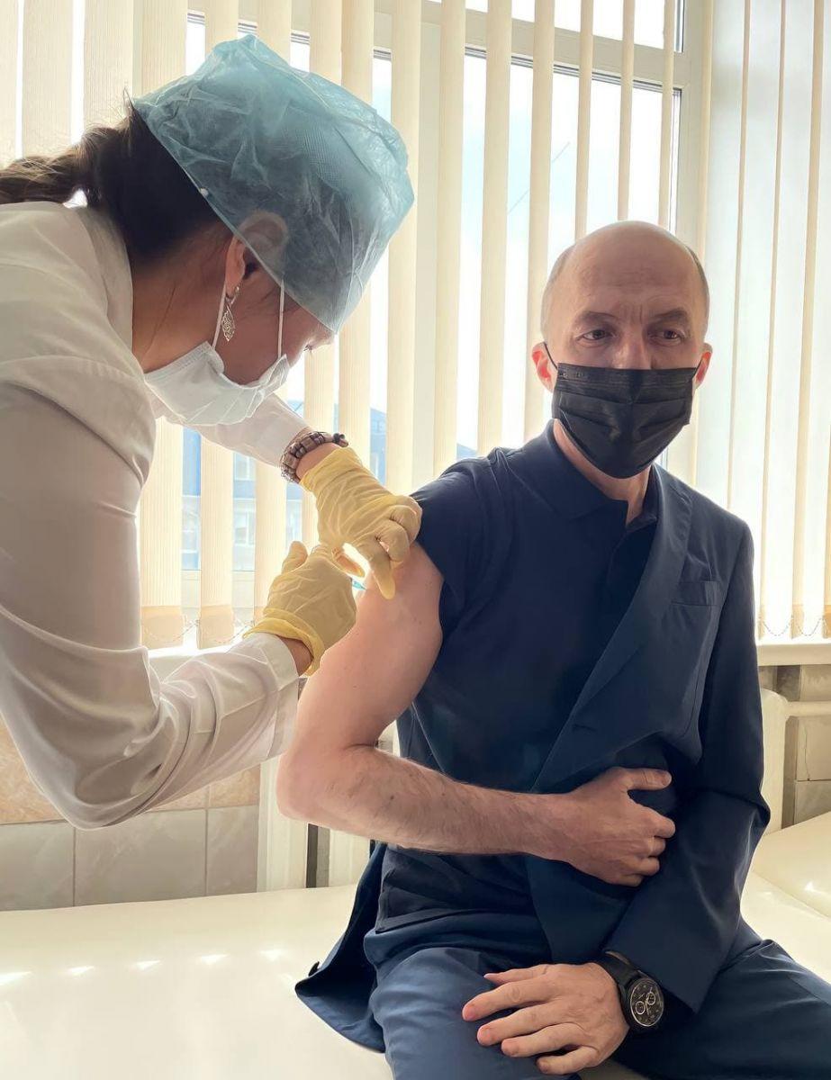 Глава Республики Алтай решился сделать прививку коронавируса