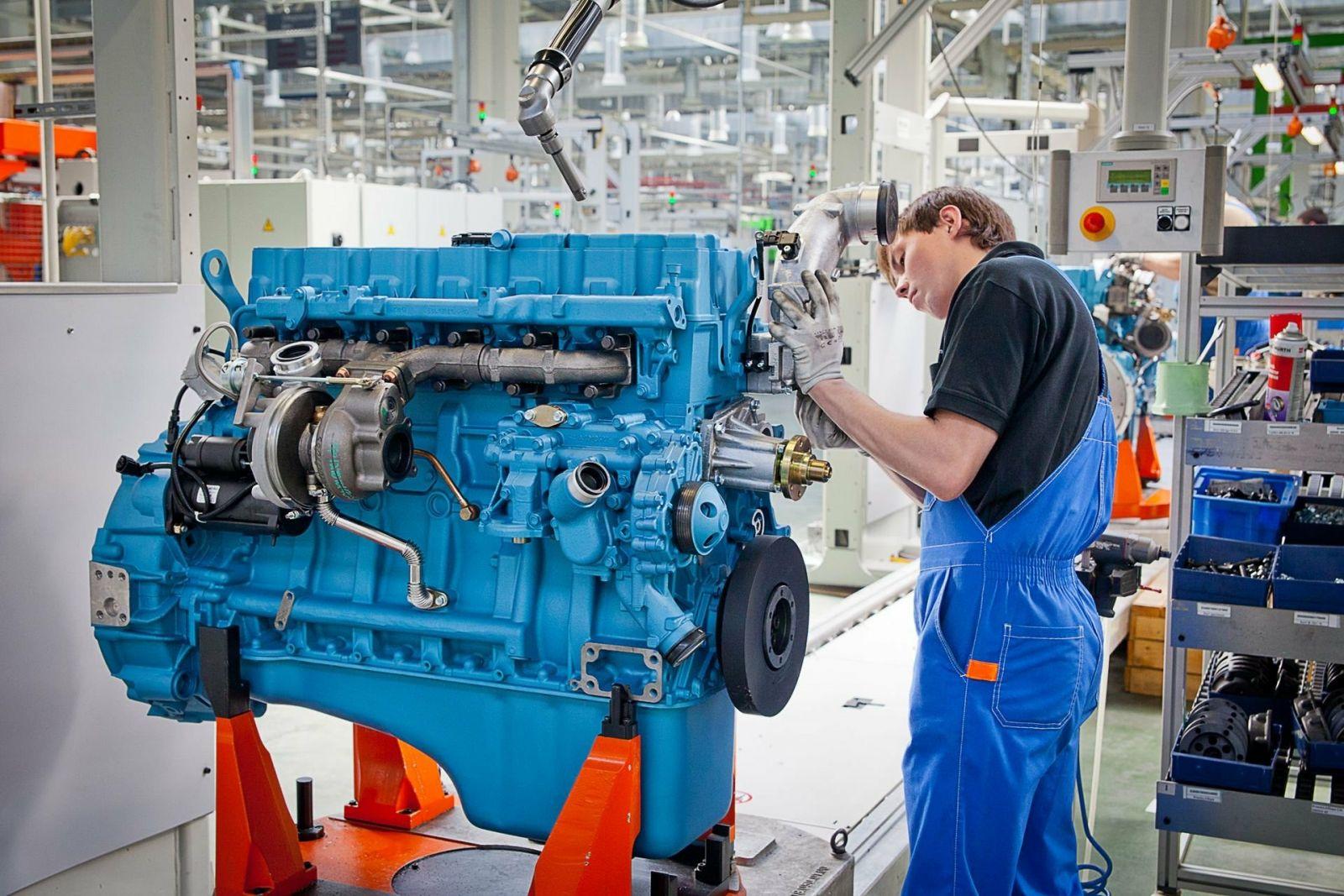 Жителей Алтайского края приглашают лечение двигателей фирменный центр Ярославского моторного завода