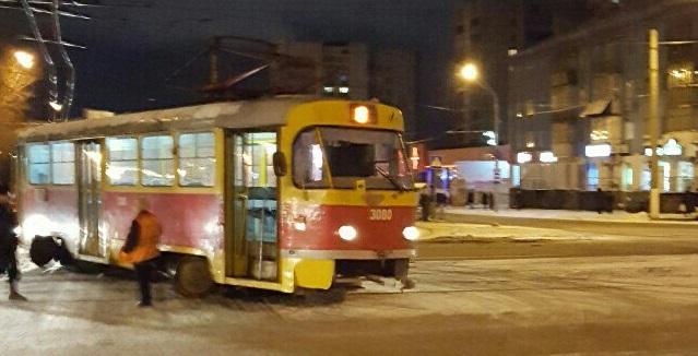 ВДзержинском районе Ярославля трамвай сошел срельс