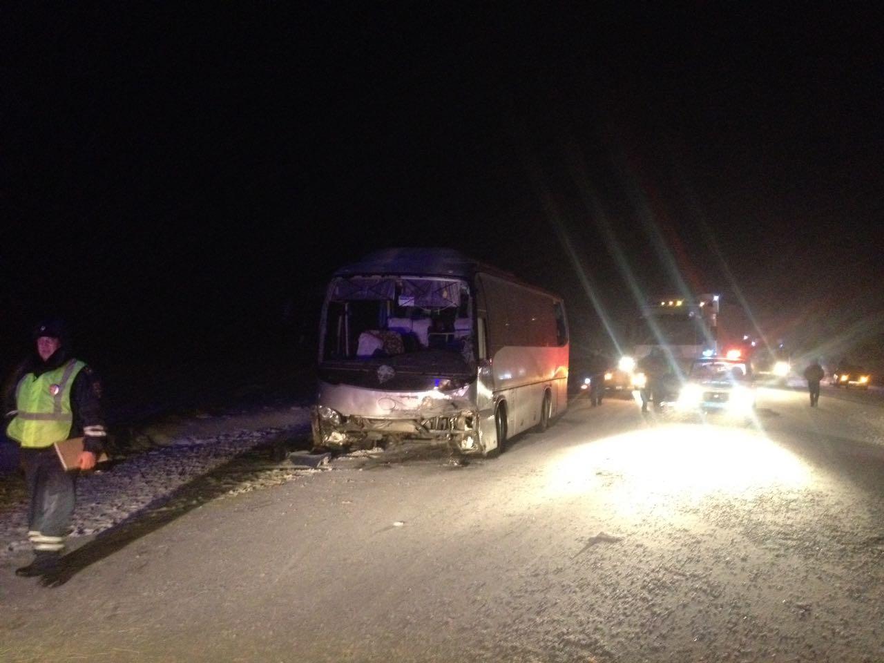 СУСК возбудил уголовное дело пофакту ДТП савтобусами вАлтайском крае