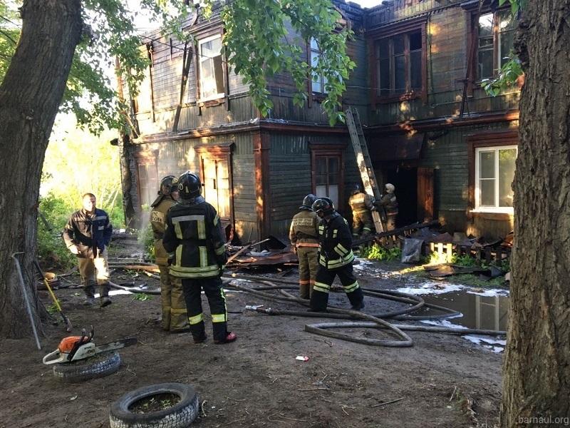 ВБарнауле ночью произошел сверепый пожар вжилом доме