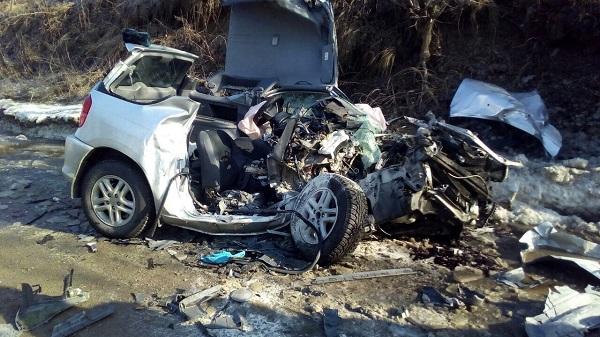 Автоледи наТойоте разбилась всмятку вжутком ДТП наАлтае
