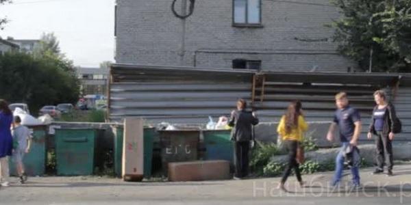 Бийские ветераны пожаловались чиновникам обрастающие мусором городские улицы