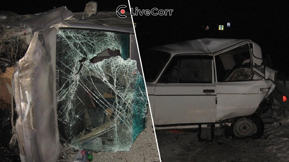 Возвращавшийся новогодней елки микроавтобус детьми попал страшную аварию Бийском