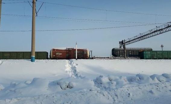 Школьникам Новоалтайска приходится совершать ежедневный кросс железной дороге пути занятия
