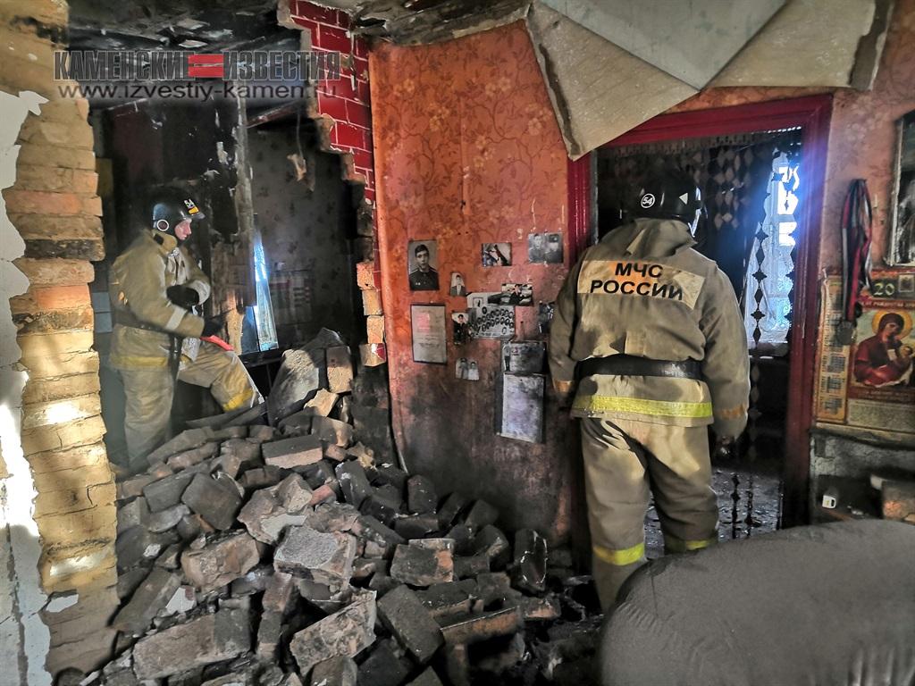 В Камне-на-Оби жилой разнесло взрывом котла отопления