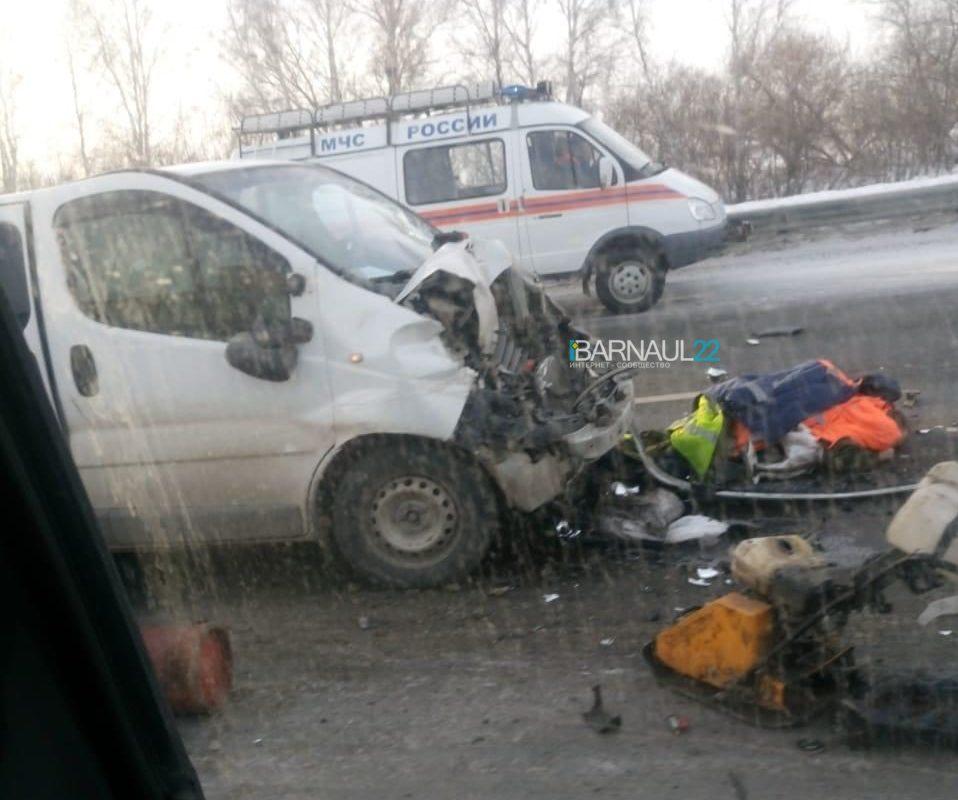 Пожилой дорожный рабочий погиб аварии рядом барнаульским кладбищем