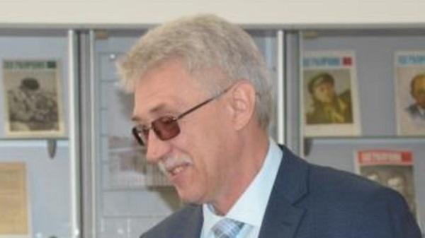 На здоровую голову руководство одного алтайских районов доверили сотруднику администрации