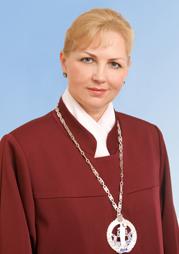 Выпускница Алтайского госуниверситета временно возглавила Конституционный Украины