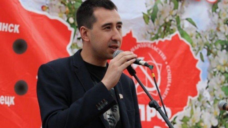 Со своим самоваром экс-депутат Алтайского Заксобрания Николай Наздрачев пошел выборы Тульской области