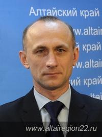 Виктор Томенко определился руководителем внутриполитического блока правительства Алтайского края