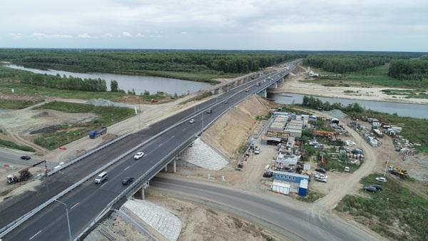 Власти Алтайского края пообещали конца года завершить ремонт проблемного моста через Чумыш
