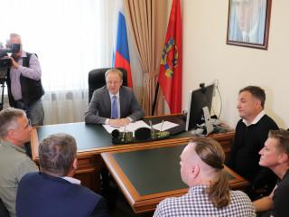 Находчивые Дети лейтенанта Шмидта попросили губернатора Алтайского края денег свой театр