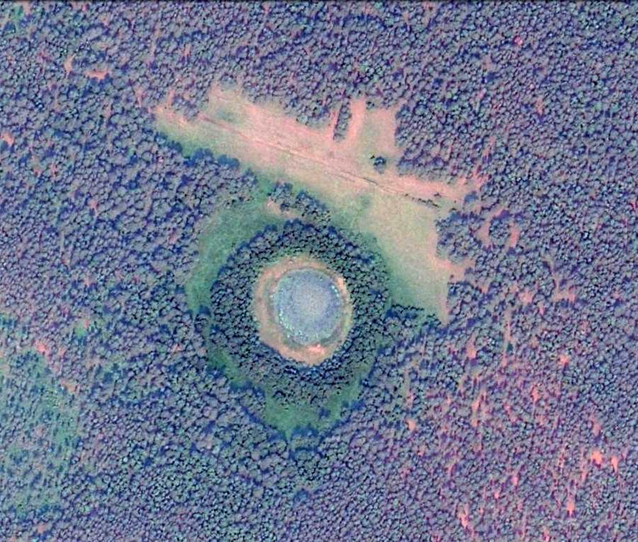 Ученые обнаружили алтайской части Караканского бора озеро форме метеоритного кратера