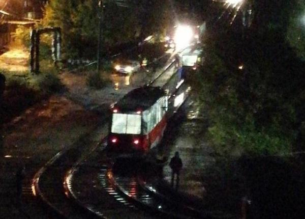 Молодой житель Бийска скончался кровопотери колесами вечернего трамвая
