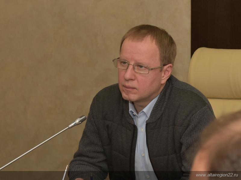 Впали спячку губернатор Виктор Томенко устроил разнос после осмотра барнаульских сугробов
