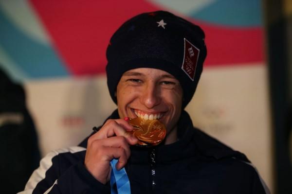 Лауреат именной стипендии лидера алтайских справедливороссов стал олимпийским чемпионом биатлону