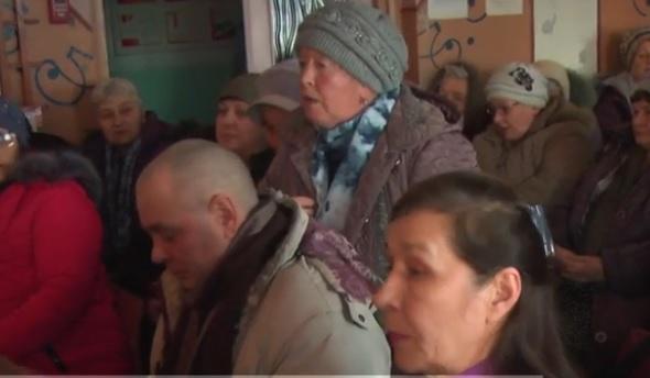 Жители алтайского села третий отстояли перед краевым Минздравом круглосуточный стационар