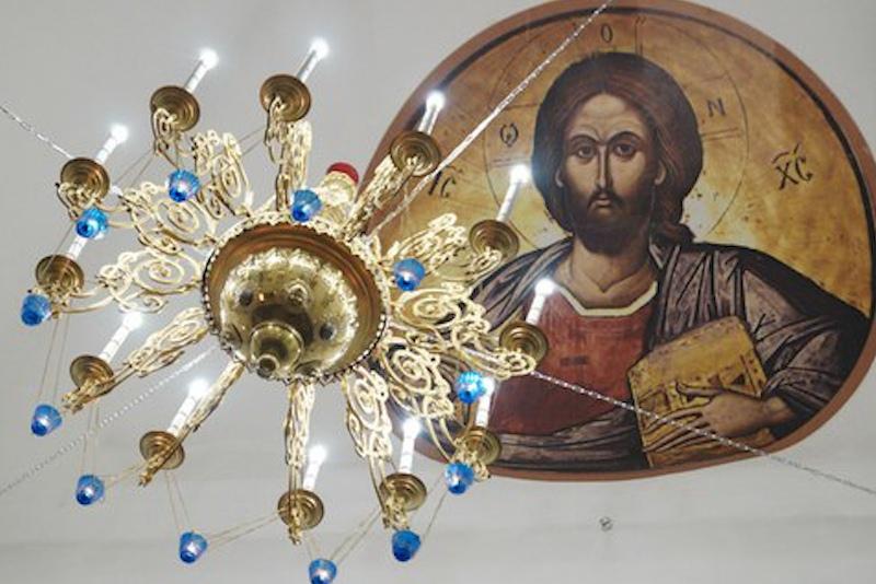 Похитителя раритетной люстры века церкви поймали Барнауле