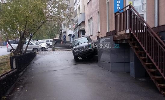 Несколько серьезных с утра погрузили Барнаул километровые пробки