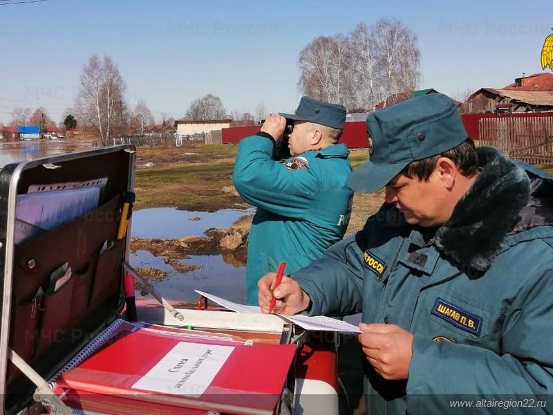 Алтайские спасатели готовятся возможной эвакуации находящемся шаге подтопления районе
