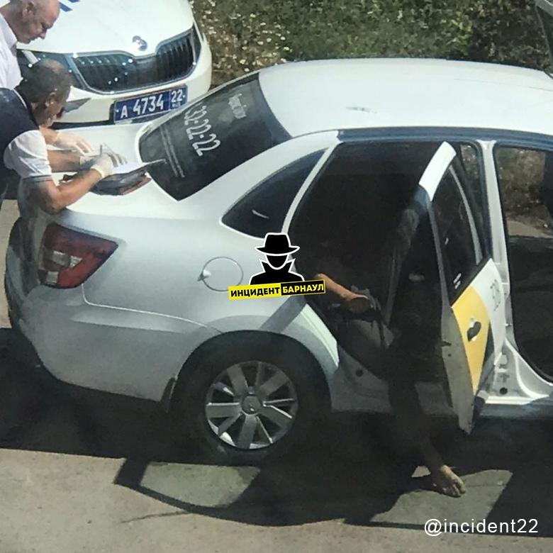 Следствие выясняет обстоятельства смерти барнаульца такси