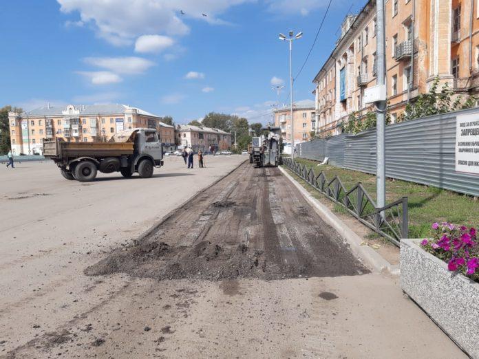 Центральную площадь Рубцовска срезали вслед набережной из-за дефектов благоустройства