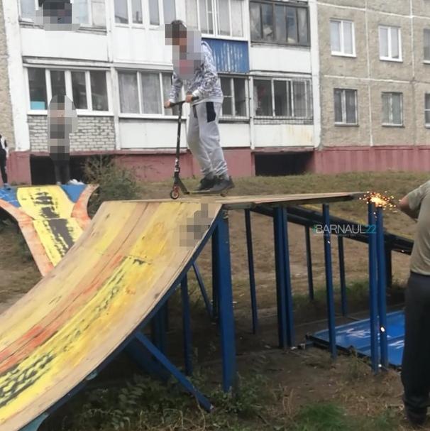 Полиция разберется самовольным сносом единственной Барнауле дворовой скейт-площадки