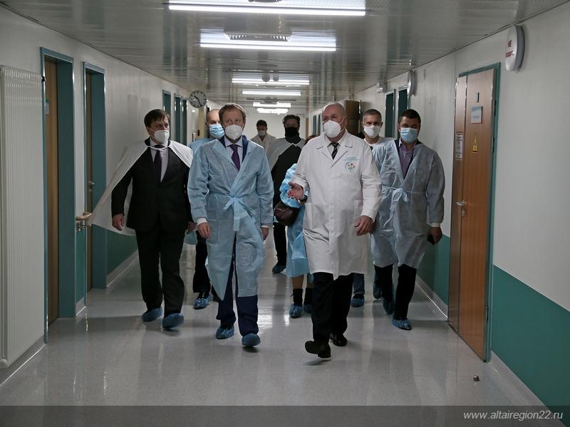 Жители Алтайского края опасаются принудительного освобождения коек больницах ковидных пациентов