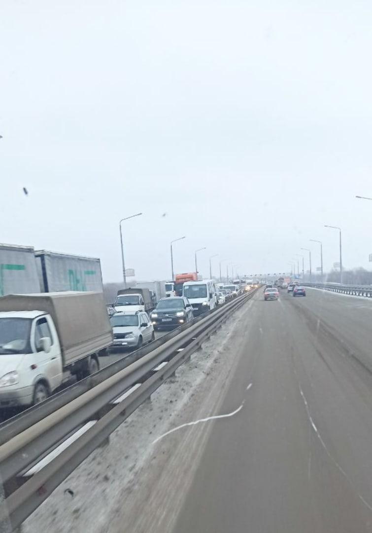 Авария Новом мосту парализовала движение сторону Барнаула