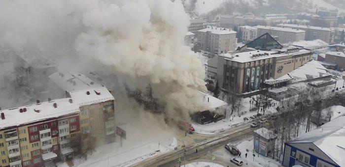 Более педагогов детей эвакуировали вспыхнувшего здания алтайской вечерней школы