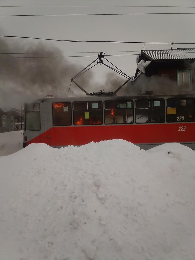 И медные трубы очередной трамвай Бийске вышел строя после испытания огнем