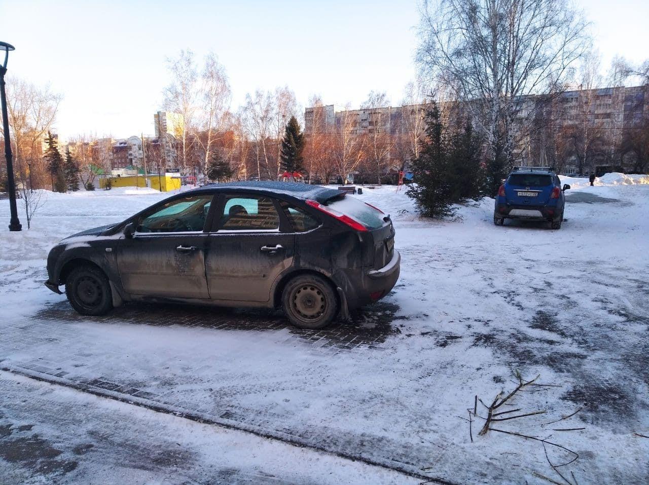 Мэрия Барнаула оградит модернизированный сквер оккупации паркующимися авто