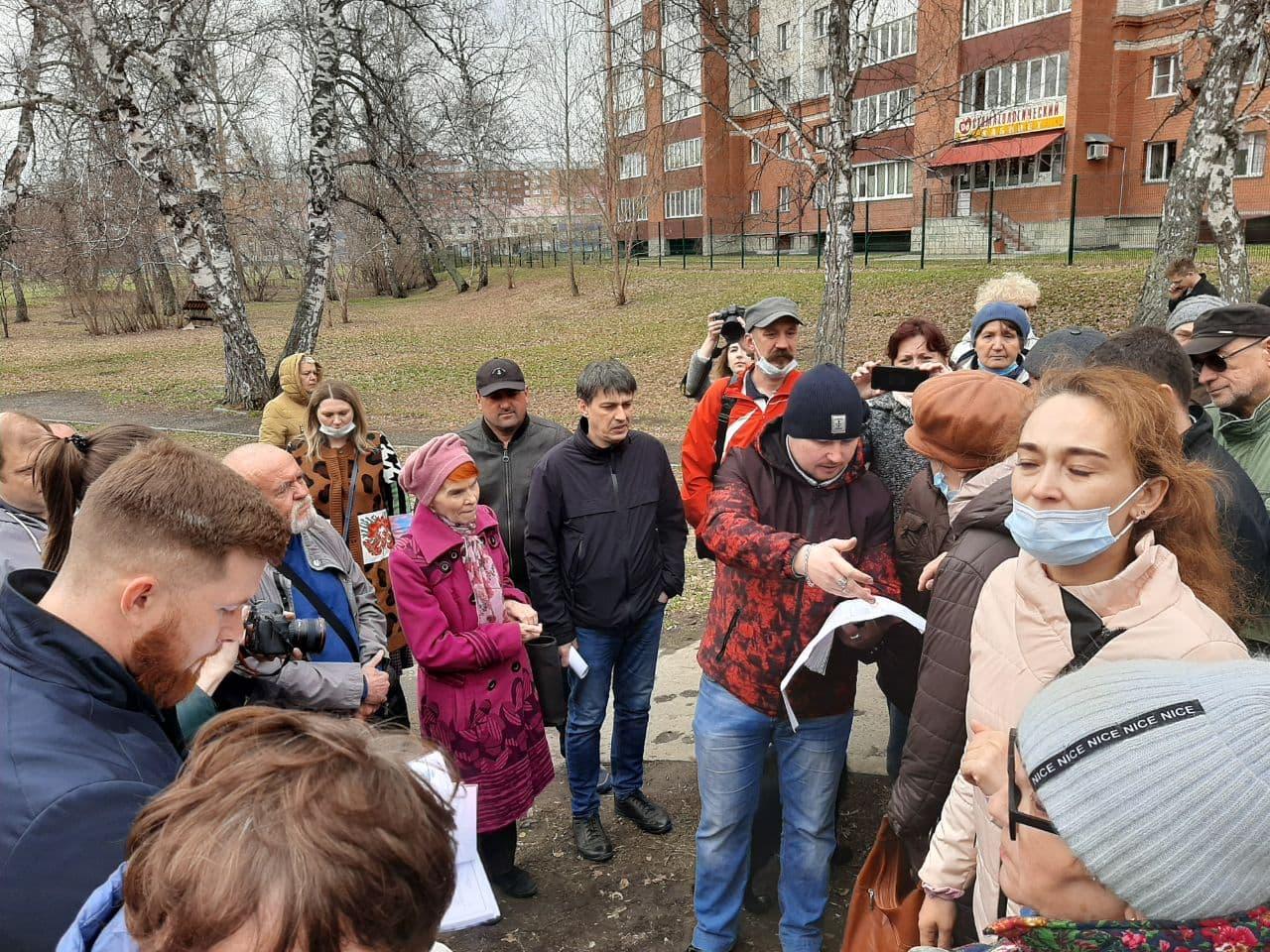 Барнаульцы просят мэрию отказаться плиточного благоустройства Мизюлинской рощи обновлено