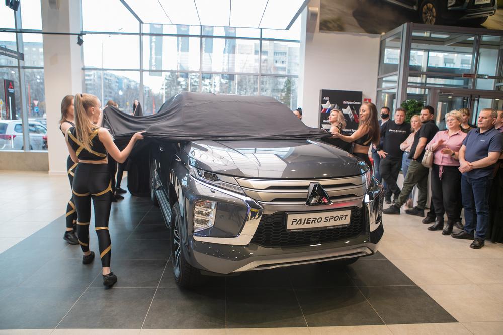 На открытии обновленного Автоцентра Mitsubishi Барнауле презентовали новый внедорожник Pajero Sport