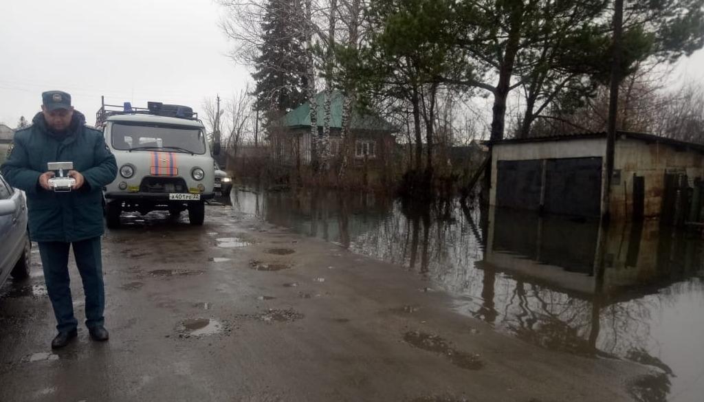 Семь участков дорог Алтайском крае частично полностью закрыли из-за паводка