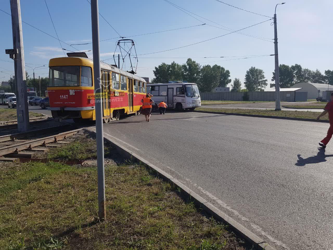 Сразу несколько серьезных продолжили тему транспортного сумасшествия Алтайском крае
