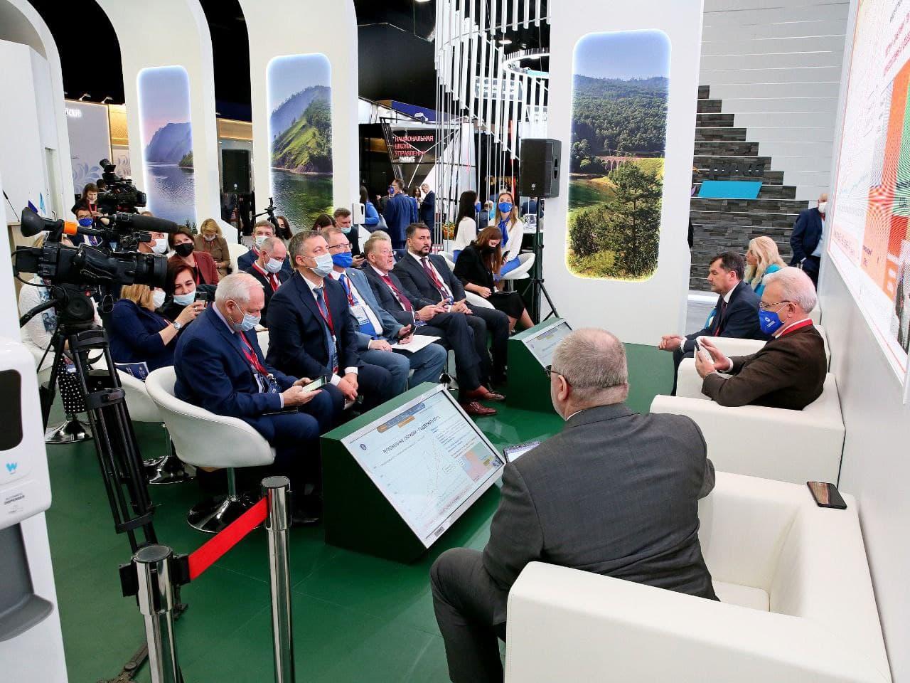 Губернатор Алтайского края подпишет соглашений ходе международного экономического форума Петербурге