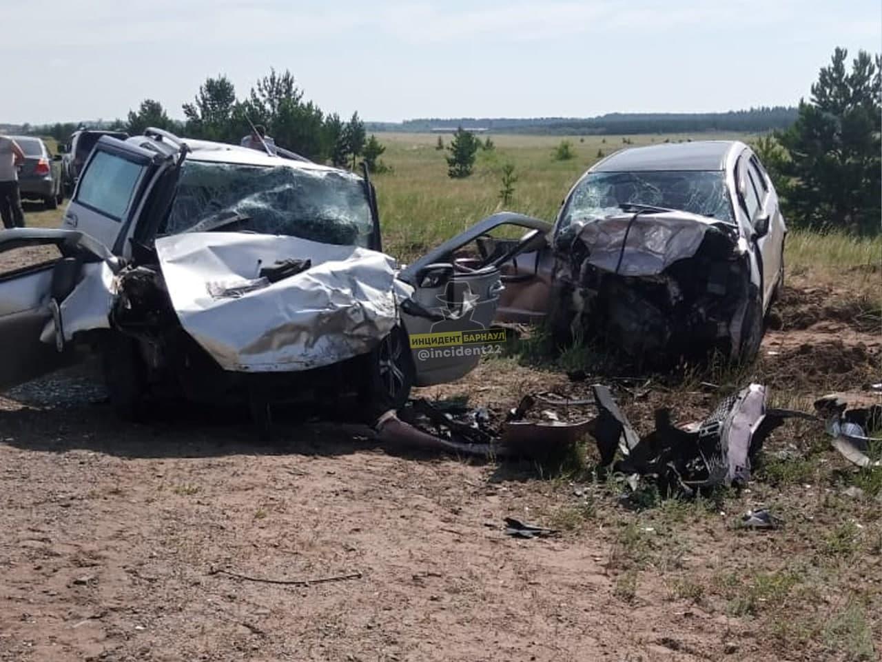 На Алтае двое взрослых подросток скончались очередном по вине выскочившего встречку водителя